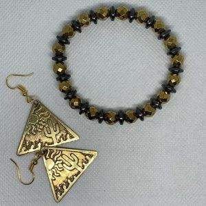 Stretchable gold bracelet and earrings